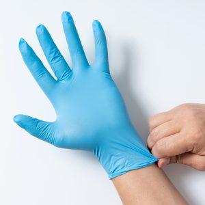 Blauer OP-Handschuh